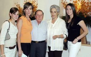 Cristina Estrada, Ángeles de Estrada, Eduardo Tricio y Mariana Estrada.