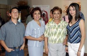 Juan Estrada, Rosy de Castro, Lety y Fernanda Estrada.
