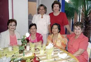Soco de González, Margarita de Guerrero, Lolita de Aguilera, Carmelita de Anaya, Marthita de Llorens y Rosy Dávila.