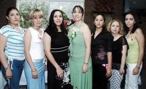 <b>06 junio</b><p> Karla Mónica Calderón Villarreal recibió multiples felicitaciones por su fiesta prenupcial, ya que el próximo dos de julio contaerá matrimonio con Gustavo López Andrade