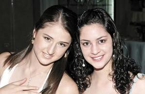 <b>08 de junio </b><p>  Marisol y Denisse Papadópulos.