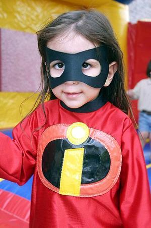 Laura Dovalina Escobedo cumplió tres años de vida recientemente y los celebró con una bonita fiesta infantil