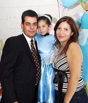 Clara Belem Díaz de León Barrios cumplió cuatro años de vida, y por ello sus papás le organizaron un divertido convivio