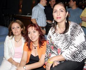 Esther Martínez, Toñeta Torres y Rocío Guerrero.