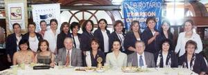 Integrantes del Club Rotario de Torreón.