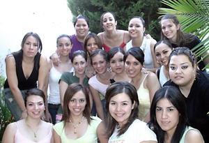 Ex alumnas del colegio Isabel la Católica Generacion 96-97 se reunieron en casa de Paulina Tovar en el Campestre de Gómez Palacio, para departir agradables momentos de amistad.