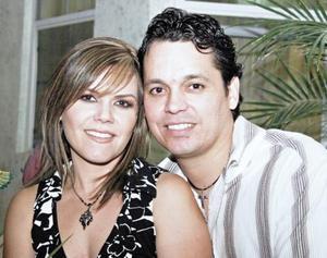 Los novios Silvia Padilla Velazco y Ricardo Martínez Sánchez
