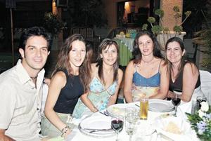 Pepe Aguilar, Bibi I. de Aguilar, Ana Cristina García de Inzunza, Tere I. de Ehrenberg y Cata B. de Inzunza
