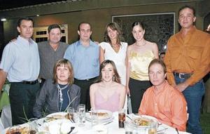 Fernando Gallegos, Adriana de Madso, Verónica de Meléndez, Claudio Meléndez, Arturo Estrada, José Ramón Cabranes, José Revuelta, Vivis García de Revuelta y Lorena Iriarte de Cabranes