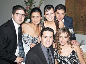 Carlos Niño de Rivera, Sofía Sarmiento, Marcela Enríquez, Jorge Díaz de León, Ricardo Dueñes y Pamela Grageda