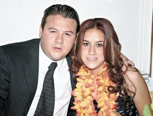 Carlos Rosas y Mariana Vargas
