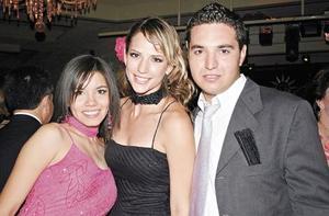 Sofía Villarreal, Carla Miranda y Armando Cárdenas