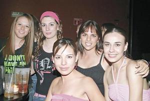Sofía, Angie, Chalis, Rina y Marile