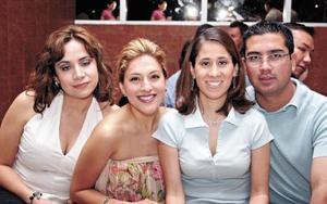 Liliana Anaya de Cortina, Mónica de Lara y Raúl González.