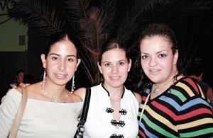 Vanessa Blando de Reyes, Christian Baeza y Marilú Gidi
