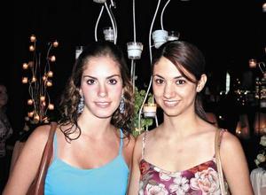 <I>NOCHE DE MODA</I><P> Brenda Arriaga y Luly González
