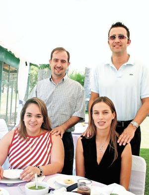 Omar Gutiérrez, Jesús del Río, María Rosa de Gutiérrez y Daniela de Del Río