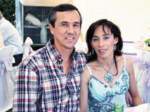 Javier Allegre y Adriana Pedroza