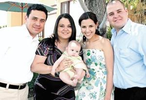 Fernando Pedroza Hernández, Claudia Villalobos de Pedroza, Valeria Pedroza Villalobos, Mónica Martínez de Villalobos y César Villalobos