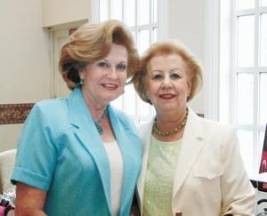 María del Carmen S. de González y Conchita de Borrego