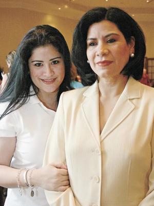 <I>TE LO VENDO... TE LO COMPRO</I><P> Vilma Herrera y Caro Reza