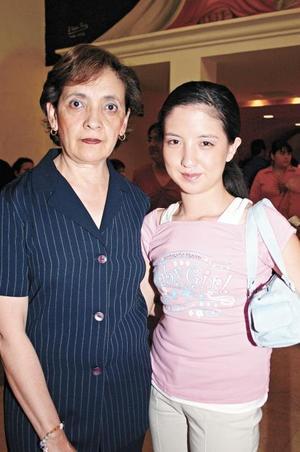 Lourdes de Hayakawa y Kaori Hayakawa