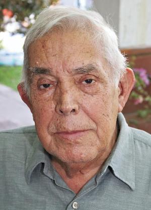 <I>FESTEJA 83 AÑOS</I><P> El festejado Don Hernando Garrido