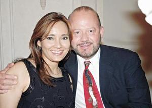 Sandra y Popo Garza