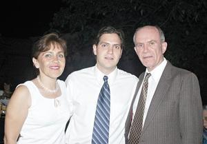 Patricia Solórzano de Lorda, Ernesto Lorda Solórzano y Julio Lorda Andrade