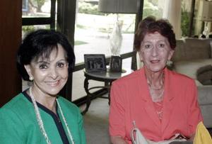 Leticia Rodríguez y Elisa Reyes.