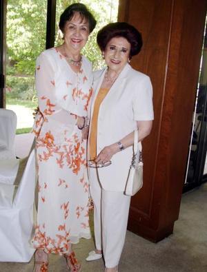 Soledad Llamas de Anaya y Norma Cepeda de Salas.