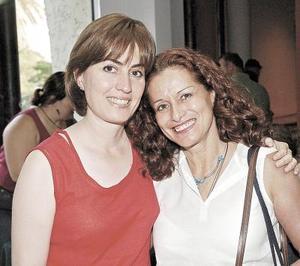 Pilar Revuelta y Amalia Gómez