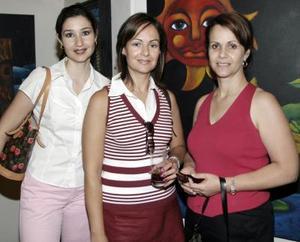 Mónica de Villar, Laura Córdova y Lucía de Díaz  de León.