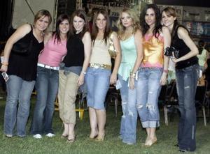 Ángela, Mariana, Lupita, Yana, Aída, Sofía y Natalia