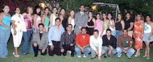 Luis Gerardo Ávila Rodríguez acompañado por un grupo de amigos  y familiares en la cena que le ofrecieron sus papás, Luis Gerardo Ávila Pérez y Rosa Rodríguez Galván, por motivo de su graduación