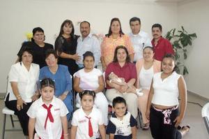 Rosa Isabel Rodríguez recibió numerosas felicitaciones con motivo de su cumpleaños,. en el convivio que que le organizaron sus familiares hace algunos días