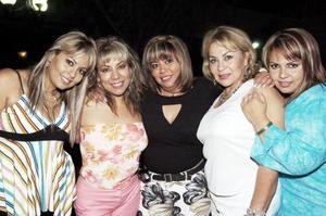 <b>12  junio</b><p> Mónica Rodríguez  Santoscoy disfrutó de una agradable reunión que con motivo de su cumpleaños le ofrecieron Nilza Rodríguez, Norma Rodríguez, Iliana Rodríguez y Jose García.
