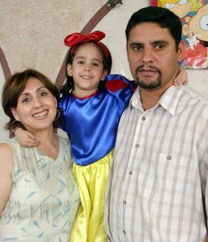 María del Consuelo Quiñones de Yassín Gutiérrez festejaron a su hija María del Consuelo Yassín Quiñones, con una alegre reunión con motivo de su cuarto cumpleaños