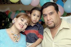 El pequeño Sebastián Álvarez Murillo fue festejado por sus papás, Carolina Murillo de Álvarez y Alejandro Álvarez Salazar, con motivo de su cumpleaños