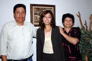 José López, Arely López y Libertad Rodríguez.