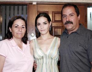 María Fernanda Llamas Cuerda celebró su cumpleaños en compañía de sus padres, José luis Llamas y Margarita Cuerda.
