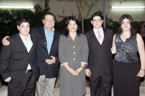 Carlos Cepeda y Dolores Rebollo de Cepeda con sus hijos Marcela, Carlos y Alejandro.