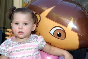 Guiliana Zanella Braña festejó su segundo cumpleaños con una divertida piñata que le organizaron sus papás, Alejandro Zanella Revueltas y Cecilia Braña de Zanella.