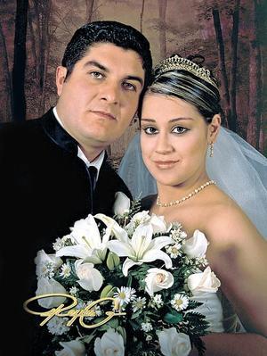 Sr. Mario Ignaio Castro Castro y Srita. María Guadalupe Víctor Domínguez contrajeron enlace nupcial