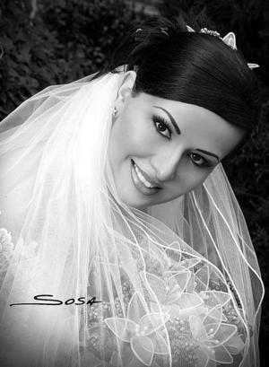 C.P. Laura Elena Argüelles, el día de su boda con el Lic. Enrique Rodríguez Caro.