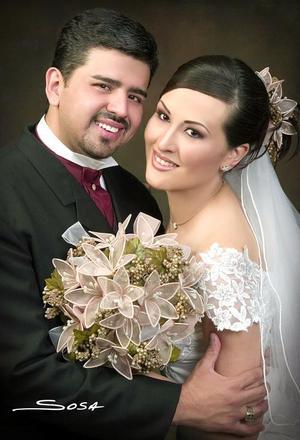 Lic. Enrique Rodríguez Caro y C.P. Laura Elena Argüelles Rodríguez contrajeron matrimonio el viernes 13 de mayo.