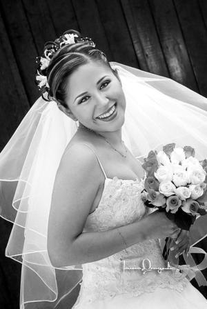 Srita. Alma E. Alemán Pérez, el día de su enlace matrimonial con el Ing. Carlos A. Collins Sánchez.