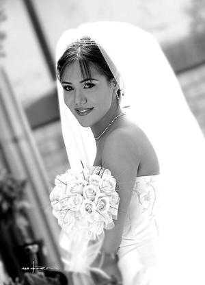 Srita. Myrna Martínez Ríos, el día de su boda con el Sr. Alberto González Margáin.