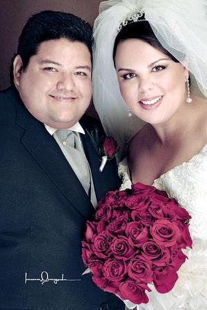 Sr. Basilio Cortez Amezcua y Srita. Humaya Betancourt Sánchez contrajeron matrimonio religioso en la parroquia de San Pedro Apóstol, el sábado 16 de abril.
