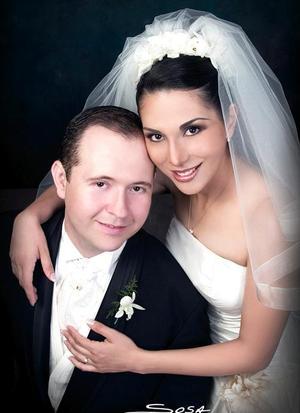 Sr. Carlos Vázquez Fierro y la Srita. Liliana Cepeda Ramírez contrajeron matrimonio el pasado 21 de mayo